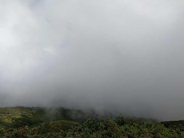 御嶽山の天気はガス